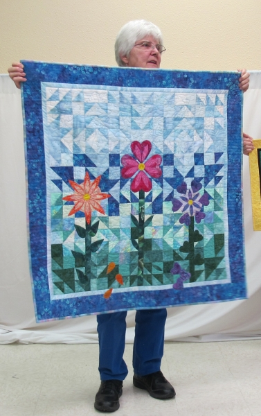 Lee Olson - Summer Love, Alphabet quilt applique in Old Fellows Chain block for small group challenge.